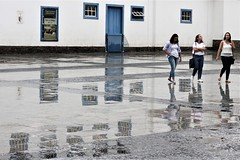 IMG_4138 (Erasmo Marques) Tags: centrovelho chuva reflexo historico