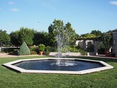 (procrast8) Tags: kansas city mo missouri ewing muriel kauffman memorial garden fountain