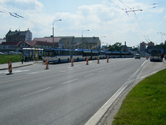 A shortened queue of trolleybuses in Ostrava (johnzebedee) Tags: trolleybus transport publictransport vehicle ostrava czechrepublic johnzebedee skoda skoda15tr