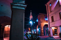 (frogghyyy) Tags: glow dark lights luci notte città city cityscape architecture architettura borgo borough night nightscape colors outdoor