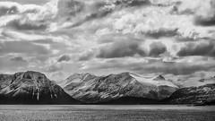 Norwegen (ludwigrudolf232) Tags: berge schnee meer norwegen einfarbig