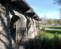 002 Stone Portico Outside Of The Administration Building (saschmitz_earthlink_net) Tags: 2018 california orienteering irwindale losangelescounty santafedam santafedamrecreationarea laoc losangelesorienteeringclub administrationbuiilding office stone arch portico