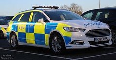 NX67 BZS (Ben Hopson) Tags: cleveland police ford mondeo dog section base 999 emergency vehicle car nx67bzs