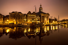 Lange haven / Schiedam 2018 (zilverbat.) Tags: schiedam longexposure bild binnenstad zilverbat innercity longexposurebynight nightshot nightphotography nightlights availablelight architecture avondfotografie photographybynight citytrip city photography visit winter wallpaper waterfront waterweg canon church night langehaven ngc holland hotspot waterstaat jenevermuseum museum kade jenever haven harbor dutch canal canvas