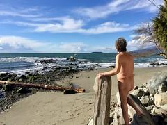 Winter's over (?) (Pierre♪ à ♪VanCouver) Tags: wreckbeach vancouver clothingoptional georgiastrait naturiste nude canada kanada カナダ