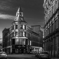 Architecture series - 5 (Dhina A) Tags: sony a7rii ilce7rm2 a7r2 fe 24105mm f4 sonyfe24105mmf4 zoom lens bokeh sharp old iconic historic building pub frames fine art architecture buildings black white bw belfast