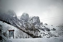 Sierra del Aramo cubierta de nieve (Asturias, España). (Alex Otero - Photograph) Tags: asturias mountains landscape paisajesnevados cordillera snow nieve sky cielo senderismo sunset niebla clouds sony sonya6000 iso100 españa spain