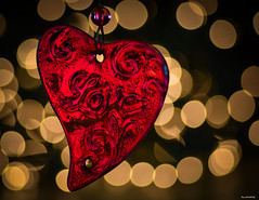 Love Is In The Air (Aliparis) Tags: red heart glass valentinesday2018 2018 bokeh gold blackintheback love