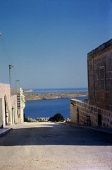 Mellieha a Malta 1966 (dindolina) Tags: photo fotografia color diapositiva vintage 1966 1960s sixties annisessanta malta isle isola mellieha vacation vacanze summer estate mare sea