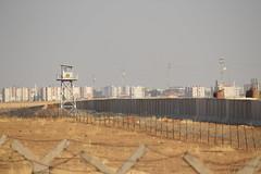 Turkey-Syria Barrier (wgauthier) Tags: turkey syria turkish kurdish syrian border nusaybin mardin barrier wall
