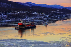 Golden Voyage (thetrick113) Tags: weeksmarine weeks533 cranebarge marinecrane marineconstruction shelby tugboatshelby dannoceantowing sarahdann tugboatsarahdann river hudsonriver tugboat bearmountainbridge hudsonvalley hudsonhighlands hudsonrivertugboat hudsonrivervalley sonyslta65v sunset winter 2018 winter2018 ice hudsonriverice orangecountynewyork westchestercountynewyork putnamcountynewyork
