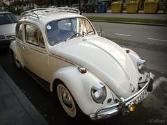 Coche del pueblo (Franco D´Albao) Tags: francodalbao dalbao huaweipralx1 coche car volkswagen escarabajo clásico classic veterano veteran alemán german