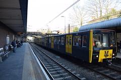 Tyne And Wear Metro 4046 arriving at South Gosforth (Tom 43299) Tags: 4046 tyneandwearmetro train railtour southgosforthmetro emu