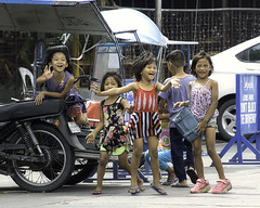 Hello Girls (Beegee49) Tags: street children smiling laughing happy playing city philippines bacolod