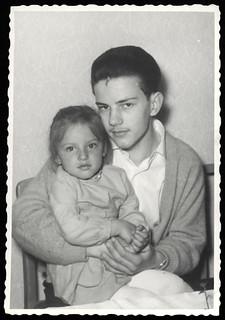 Archiv O764 Martin mit Schwester, 1960er