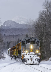 SLR 394 at Percy (Thomas Coulombe) Tags: stlawrenceatlantic slr slr394 gmdsd403 sd403 quebecgatineaurailway qgry geneseewyoming gw freighttrain train percy newhampshire percypeaks snow