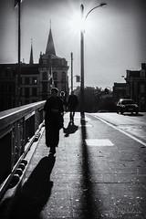 2017-10-15-Liège(Batte)Pen7 (Pontalain) Tags: liège wallonie bw calle contradia contraluz contrast contraste contrejour kontrast nb ombre ombrechinoise rue schatten shadow silhouette silueta sombra street