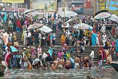 Holy Bath, Ghat, Varanasi (Sekitar) Tags: uttar uttarpradesh india inde varanasi benares ganga ganges river riverside holy bath ghat crowd