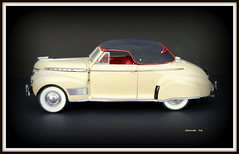 1941 Chevrolet Special DeLuxe Convertible Coupe (JCarnutz) Tags: 124scale diecast danburymint 1941 chevrolet specialdeluxe