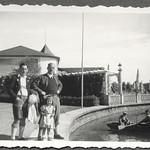 Archiv FaMUC209 Münchner Familie, Ausflug, 1930er thumbnail