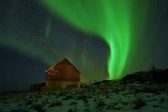 Aurora and cabin (Rudi Verspoor) Tags: aurora northern lights northernlights norway lofoten night sky cabin travel nikon d7200 dslr landscape snow winter stars vista magical