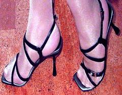 (pbass156) Tags: stockings pantyhose toes hose nylon nylons feet foot footfetish fetish sandals shoes sandalias strappy