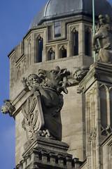 St George's Chapel Statues (Stephen Gardiner) Tags: windsor england 2018 unitedkingdom windsorcastle royalhousehold pentax k3ii 1645