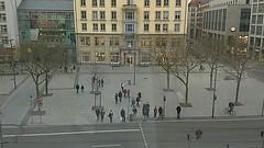 #city #urban #square #people #citylfe #ants #wildlife #movement #timelapse #video #dresden #europe (claudio-g-c) Tags: europe video city movement wildlife square citylfe timelapse urban dresden ants people