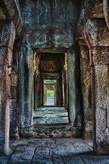Angkor Wat (Jutta M. Jenning) Tags: tempel angkorwat glaube religion asien kambodscha cambodia tempelanlage glauben gebet beten siemreap gebaeude turm treppen angkor saeule saeulen gang gaenge ruine ruinen mauer mauern canon eos70d