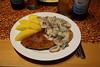 Jägerschnitzel mit Salzkartoffeln (multipel_bleiben) Tags: essen schweinefleisch schnitzel kartoffeln pilze sose typischdeutsch paniert