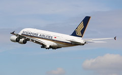 Singapore Airlines Airbus A380-800 (AMSfreak17) Tags: amsfreak17 danny de soet canon 70d lhr egll london heathrow airport luchthaven vliegtuigen vliegtuig aircraft airplane jet jetphotos planespotting luchtvaart vertrek aankomst departure arrival spotter planes world of airplanes united kingdom great britain europe take off runway 27l 09r singapore airlines airbus a380800 a380 superjumbo 9vskf