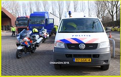 Dutch Transport Police. (NikonDirk) Tags: vw volkswagen transporter klpd politie police nikondirk netherlands holland dutch nikon cop cops hulpverlening trafficpolice traffic verkeers verkeerspolitie transport foto transportpolice transportpolitie unit infrastructure dienst infrastructuur dvp dwp spopo dsp 97ggk4 verkeer commercial bmw r1200 rt lc vehicle inspection safety