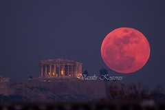 Super Blue Moon rising over the Acropolis of Athens (belas62) Tags: moonrise moon athens greece parthenon thephotographersephemeris ngc ακρόπολη πανσέληνοσ σελήνη παρθενών building supermoon υπερπανσέληνοσ sky landscape