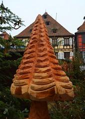 Tough Mushroom [Obernai - 7 December 2017] (Doc. Ing.) Tags: 2017 france alsace obernai town christmas grandest basrhin sélestaterstein sculpture wood statue chainsawart mushroom upper rhine