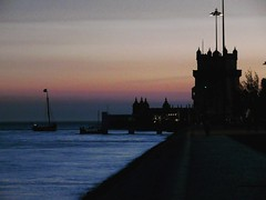 Lisbon, Portugal (dilaynurtezgul) Tags: lisbon portugal belem belemtower night sunset siluet sea life
