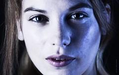 Aurore I (Jean Ka) Tags: portrait portraiture photo foto studio lighting photography photographie modell model modèle female woman frau femme yeux augen eyes gesicht face visage regard gaze blick