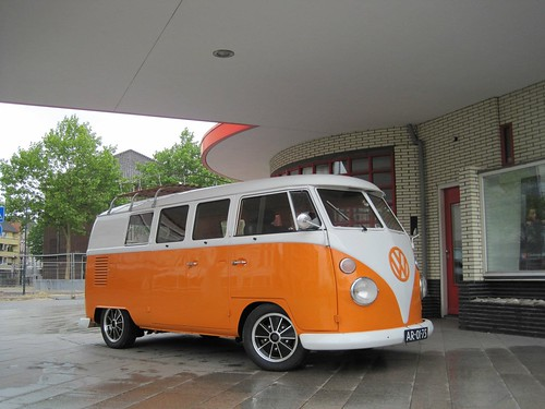 "AR-01-75 Volkswagen Transporter kombi 1964 • <a style=""font-size:0.8em;"" href=""http://www.flickr.com/photos/33170035@N02/39382713244/"" target=""_blank"">View on Flickr</a>"