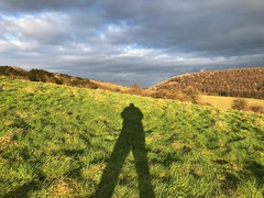 Long Shadows (Marc Sayce) Tags: long shadows clouds sundown butser hill queen elizabeth country park downs national way petersfield hampshire winter february 2018