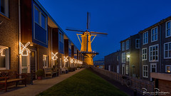 De Hoop (1801) @ Blue hour (BraCom (Bram)) Tags: 169 bracom bramvanbroekhoven dehoop hellevoetsluis holland nederland netherlands voorneputten avond bank bench bike blauweuur bluehour deur door evening facade fence fiets gevel gras grass hek korenmolen lantaren lantern lichten lights mill molen raam reflection sky spiegeling widescreen windmill windmolen window zuidholland nl