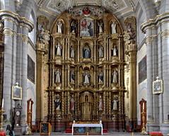 18 dominicans saints and bishops contemplate us (Chemose) Tags: mexico mexique église baroque santodomingo iglesia church autel altar dominique dominicain dominican saint évêque bishop sculpture hdr canon eos 7d mars march puebla