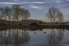 https://www.flickr.com/photos/alfena/39960425722/in/pool-inexplore/ (mañega) Tags: reflejos otoño colores explore landscape autumn lagoon reflections colors serenity