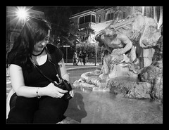 MichelaShoot (Maximo Photonico) Tags: michela shoot shooting posa pose posed fotografia posata ritratto ritratti portrait scaped ambientati contesto ambiente ambent location place posto luogo girl ragazza photography roma rome mincio piazza square road strada fountain fontana person gente people persone