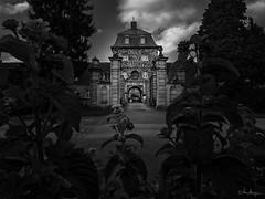 Wasserschloss Lembeck (Meinersmann, Thomas) Tags: 1240mm128pro omdem5markii olympus september2017 thomasmeinersmann dorsten schlosslembeck wasserschloss nrw bw