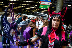 Japan Expo 2017 4e jrs-23 (Flashouilleur Fou) Tags: japan expo 2017 parc des expositions de parisnord villepinte cosplay cospleurs cosplayeuses cosplayers française français européen européenne deguisement costumes montage effet speciaux fx flashouilleurfou flashouilleur fou manga manhwa animes animations oav ova bd comics marvel dc image valiant disney warner bros 20th century fox star wars trek jedi sith empire premiere ordre overwath league legend moba princesse lord ring seigneurs anneaux saint seiya chevalier du zodiaque