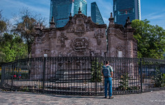 2018 - Mexico City - Chapultepec Aqueduct Fountain (Ted's photos - For Me & You) Tags: 2018 cdmx cityofmexico cropped mexico mexicocity nikon nikond750 nikonfx tedmcgrath tedsphotos tedsphotosmexico vignetting backpack chapultepecaqueduct chapultepecaqueductfountain hff man male