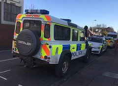 5912 - Merseyside - PE13 MWK - 28167356 (Call the Cops 999) Tags: uk gb united kingdom great britain england north west 999 112 emergency service services vehicle vehicles 101 police constabulary policing law and order enforcement merseyside southport station sunday 25 february 2018 land rover defender pe13 mwk battenburg lightbar chevron chevrons