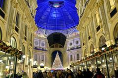 A Milano a inizio gennaio (STE) Tags: milano milan fuji fujifilm xt20 albero natale christmas tree swarovski galleria