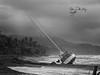 (087/18) Nunca debió ocurrir (Pablo Arias) Tags: pabloarias photoshop photomatix capturenxd cielo nubes bote yate mar agua océano pacífico ola playaarena tambor costarica