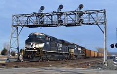 NS 1022,NS 8960 (chrischadwick95) Tags: signals ohio vickers norfolksouthern ns ace 1022 coal nikon nikond3100