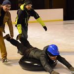 Activité neige – Curling humain thumbnail